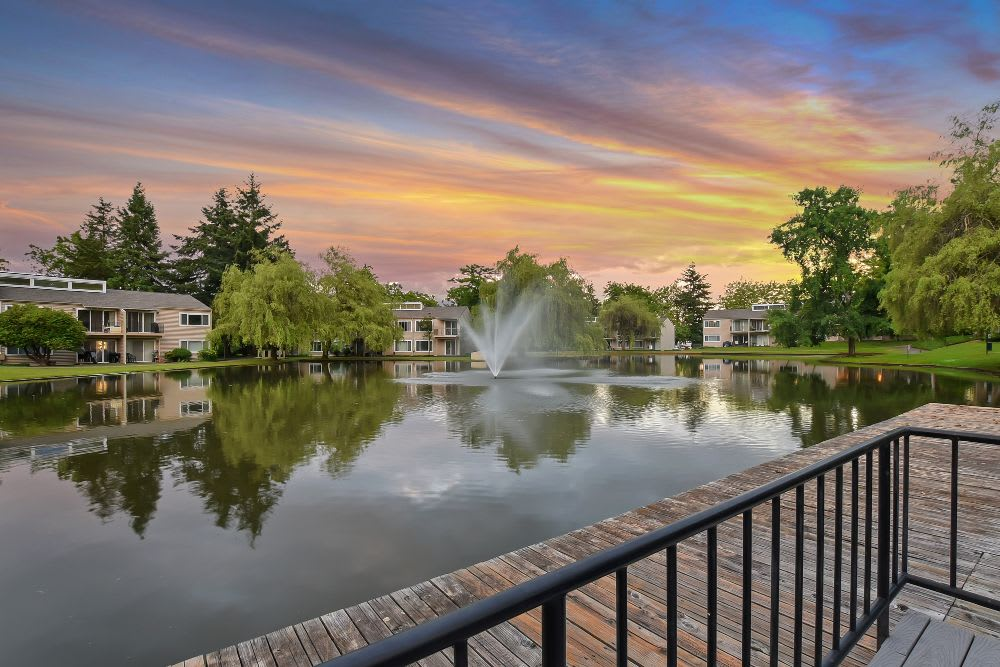 Lake at Lakeside Landing Apartments