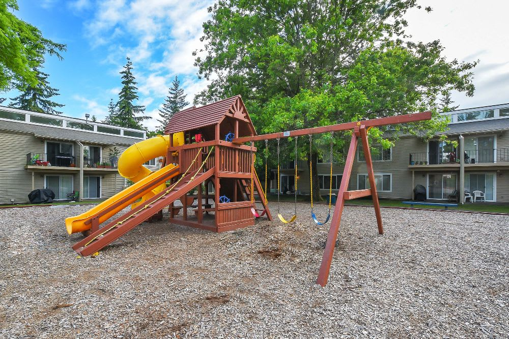 Playground at Lakeside Landing Apartments