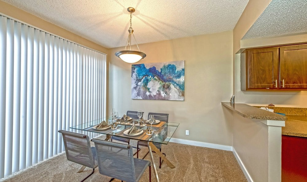 Dining room at The Enclave at 1550 Apartments in San Antonio, Texas