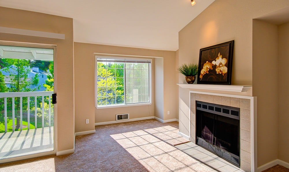 Carpeted living room at apartment in Mountlake Terrace, Washington