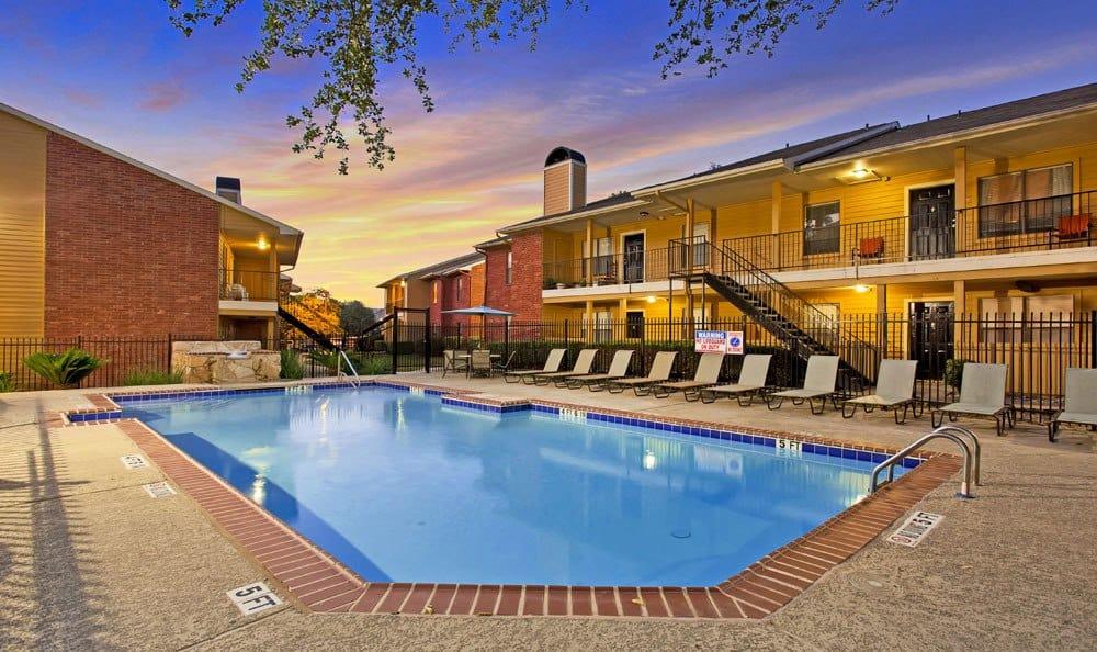 Beautiful swimming pool at Chesapeake Apartments in Austin, Texas
