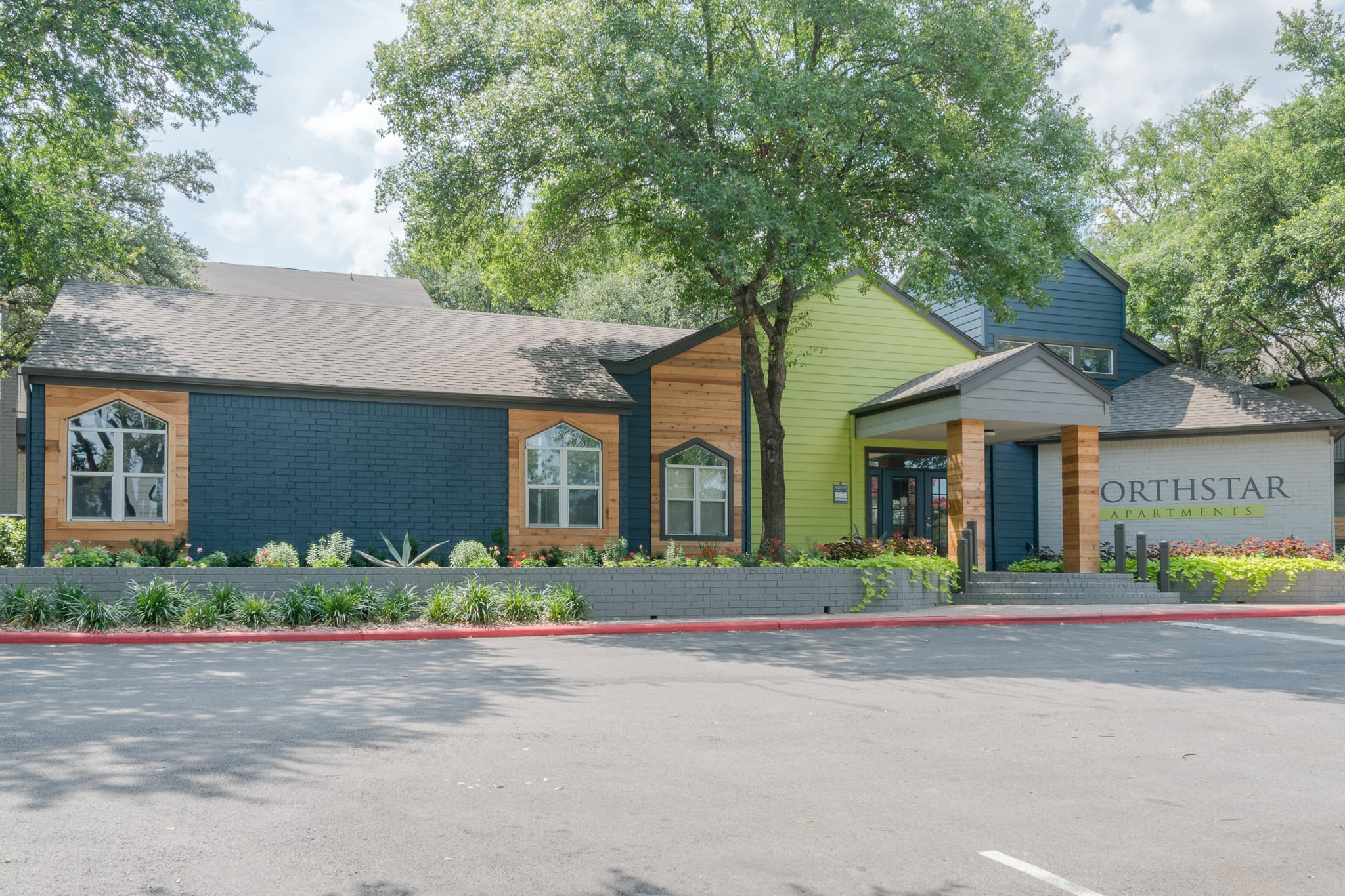 Exterior Clubhouse At Northstar Apartments In Austin TX