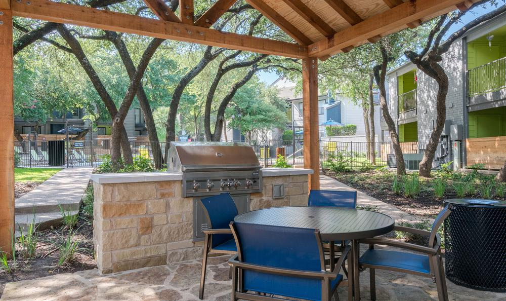 A bbq area that is great for entertaining at Northstar Apartments in Austin, Texas