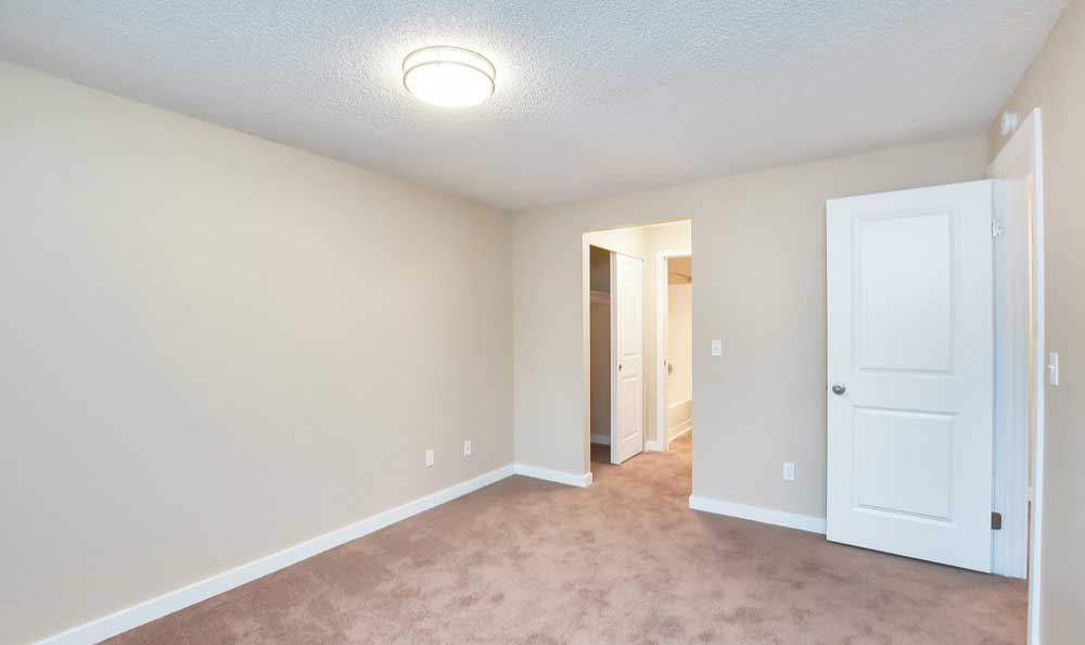 Spacious bedrooms at Pointe East apartment rentals