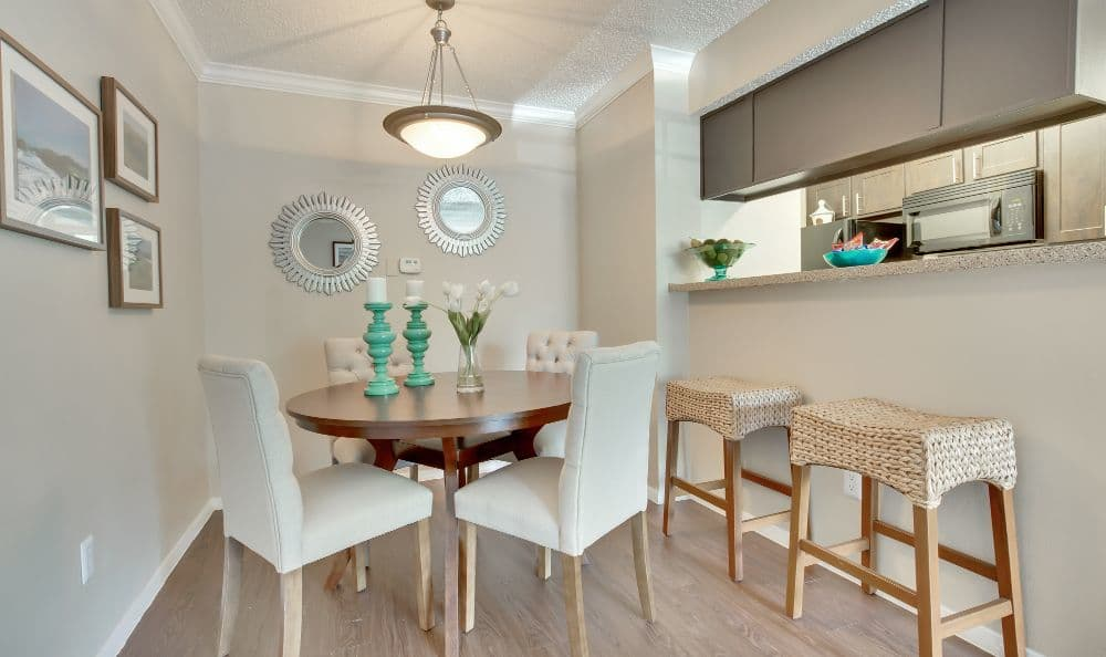 Dining area of an apartment at Bradford Pointe in Austin, TX