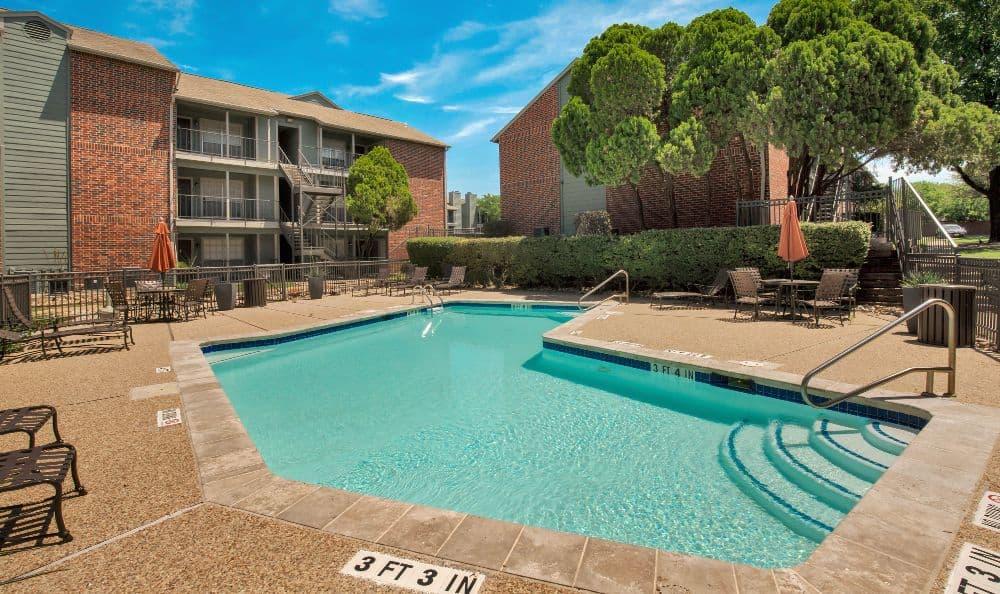 Swimming pool at Bradford Pointe in Austin, TX