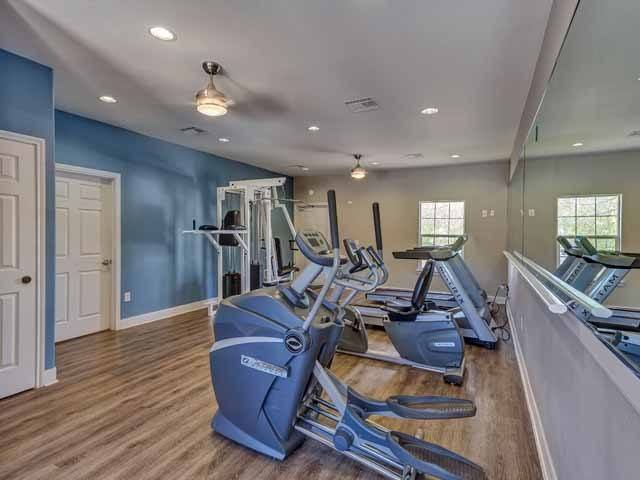 Fitness center At Cloverbasin Village In Longmont CO