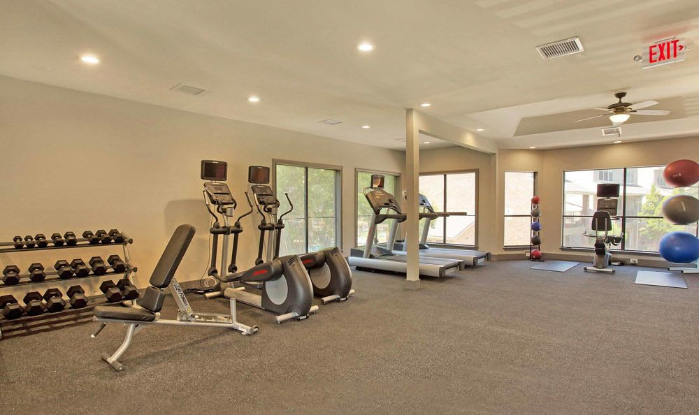 Fitness CenterAt Enclave at Water's Edge Apartments In Austin TX