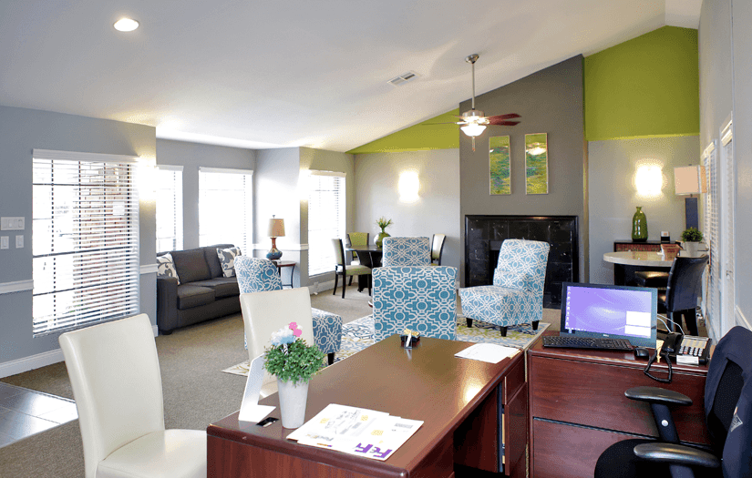 Resident's lounge at Promontory Point Apartments in Austin, TX