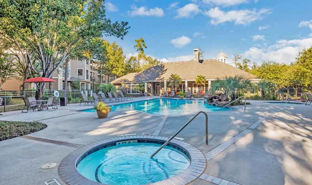 Ravinia Apartments offers a swimming pool in Spring, Texas