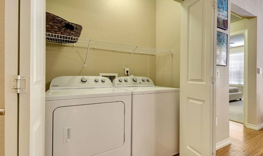 Highpointe Park Apartment Homes in Thornton, Colorado offers apartments with a washer/dryer