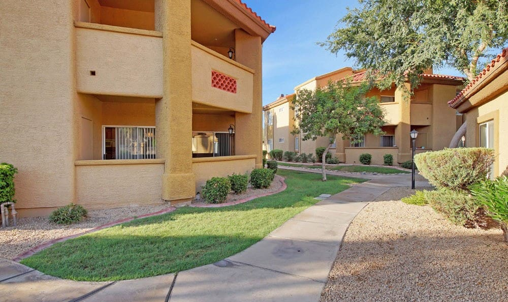 Sidewalks At Tresa at Arrowhead Apartments In Glendale AZ