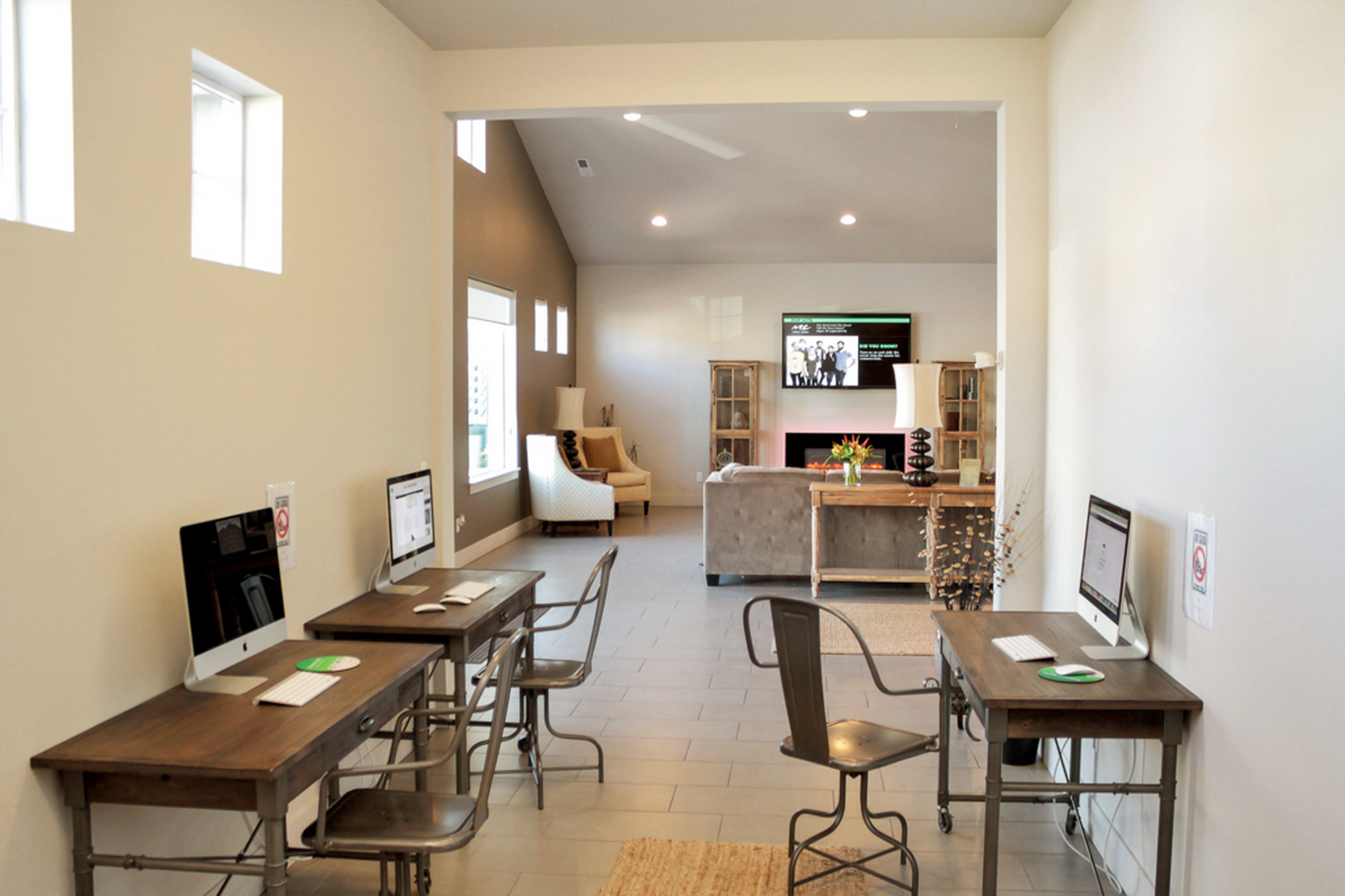 Enjoy apartments with a modern computer lab at Rock Creek Commons