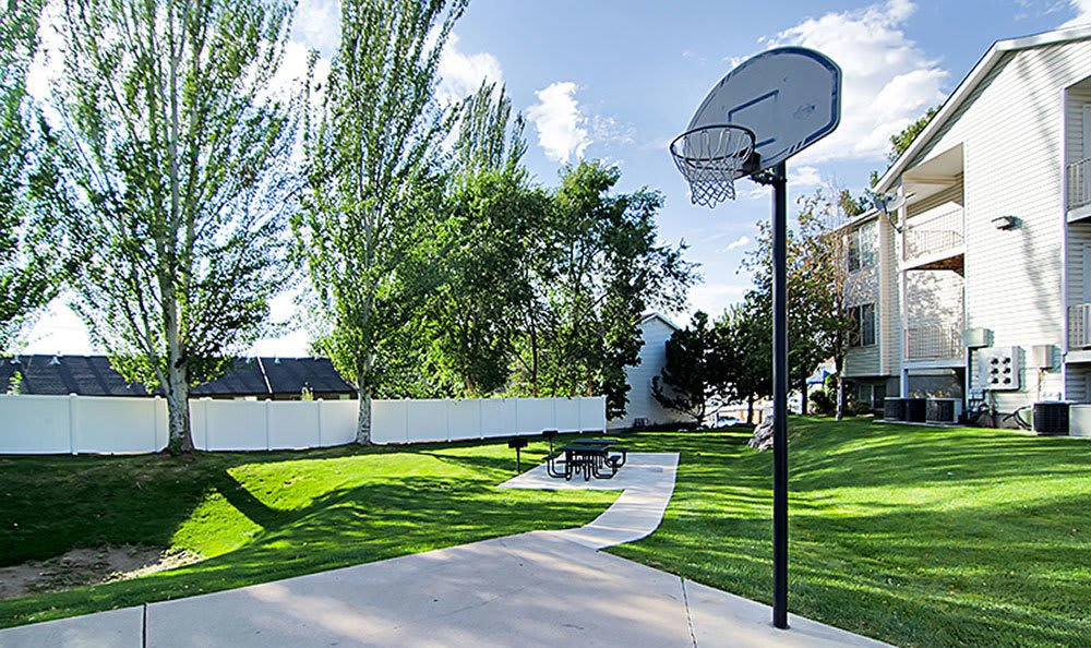 Community basketball court at our Bountiful apartments