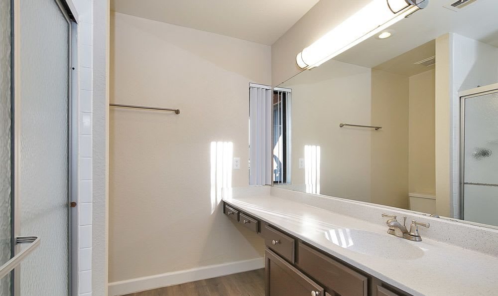 Renaissance Apartment Homes offers a beautiful bathroom in Phoenix, Arizona