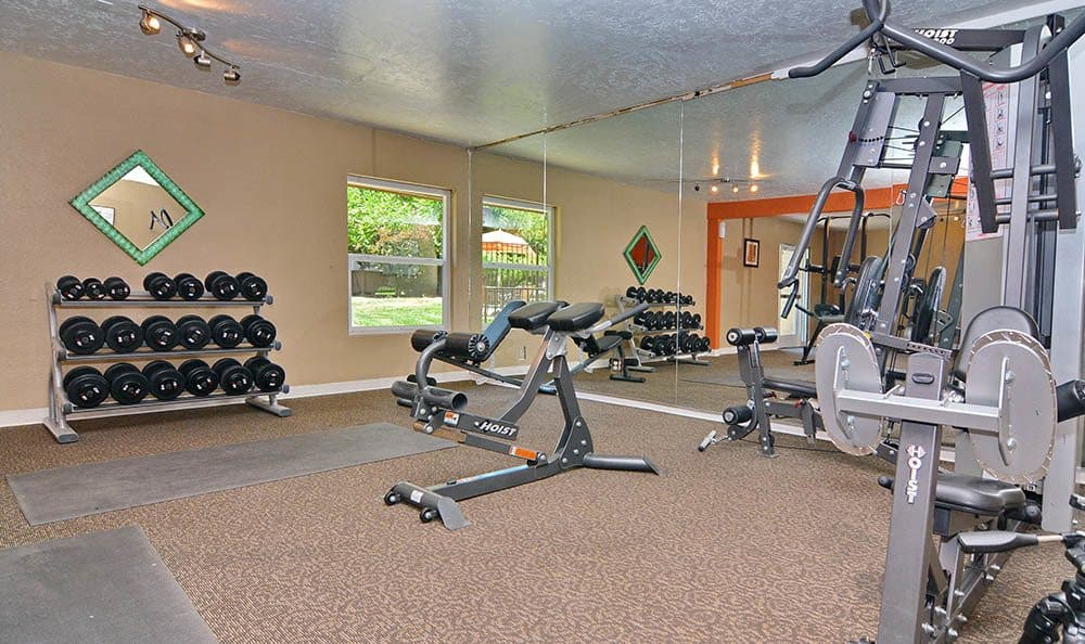 Albuquerque apartment fitness center At The Pearl at Spring Creek, NM