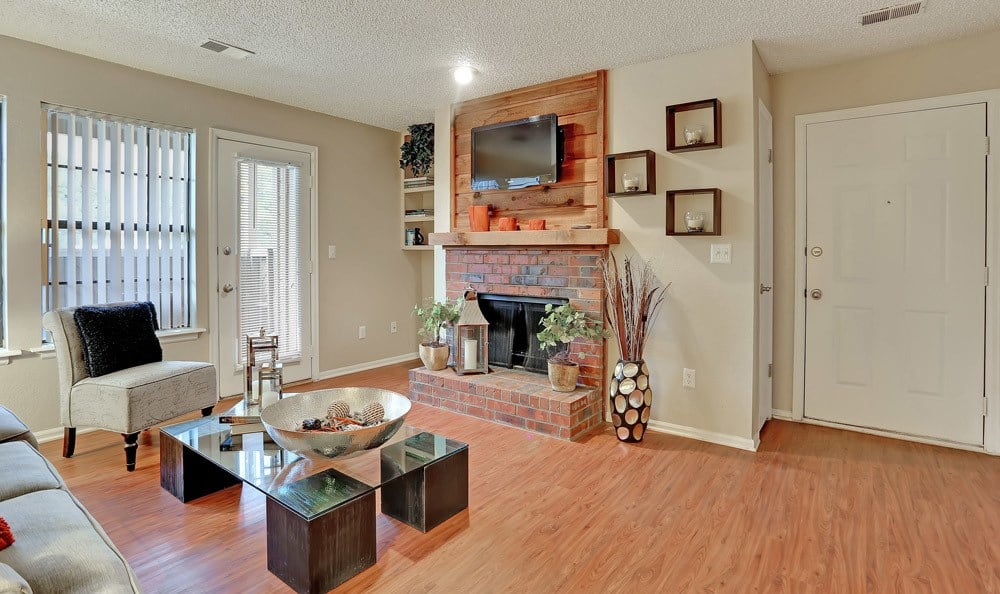 Mountain View Apartment Homes offers a spacious living room in Colorado Springs, Colorado