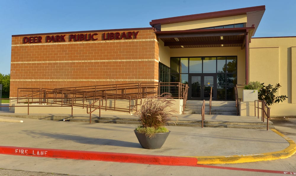 Public Library At Villages at Parktown Apartments In Deer Park TX