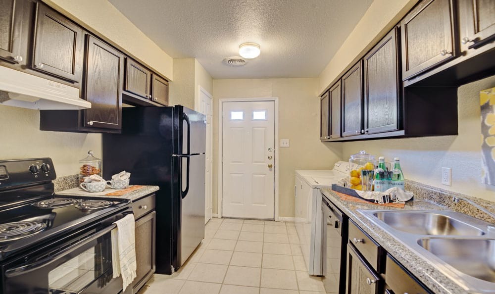 Beautiful kitchen at Villages at Parktown Apartments in Deer Park, Texas