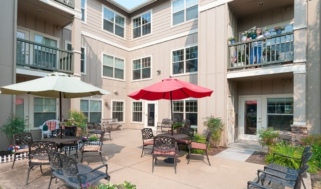 Patio at Pioneer Village, senior living in Jacksonville, OR