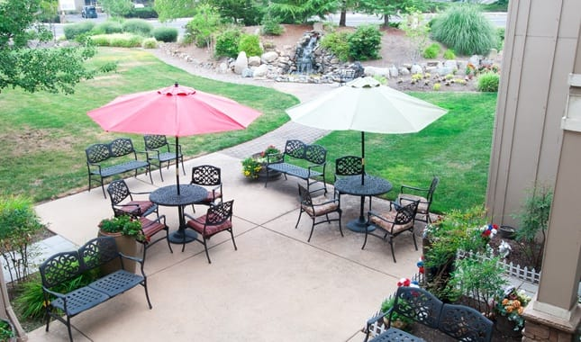 Patio atPioneer Village, senior living in Jacksonville, OR