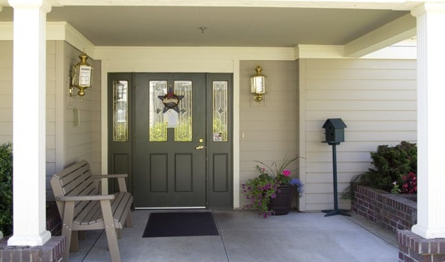 Entrance of Farmington Square Tualatin, senior living in Tualatin, OR