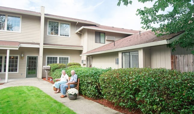 Friends enjoying the community at Farmington Square Beaverton, senior living in Beaverton, OR