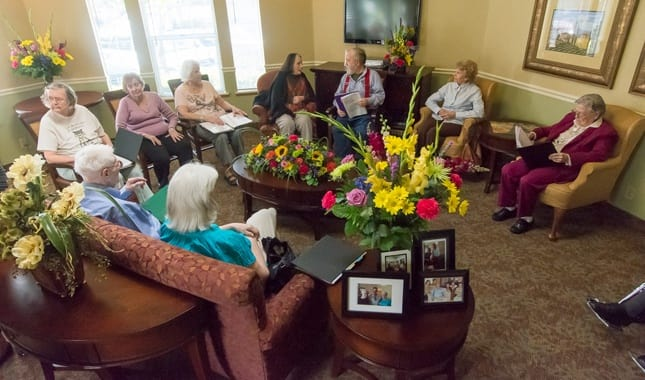 Enjoy time with friends at Farmington Square Beaverton, senior living in Beaverton, OR