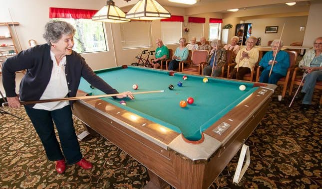 Activities with friends at Barnett Woods, senior living in Medford, OR