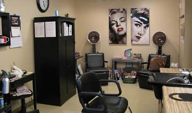 Beauty Salon at Barnett Woods, senior living in Medford, OR