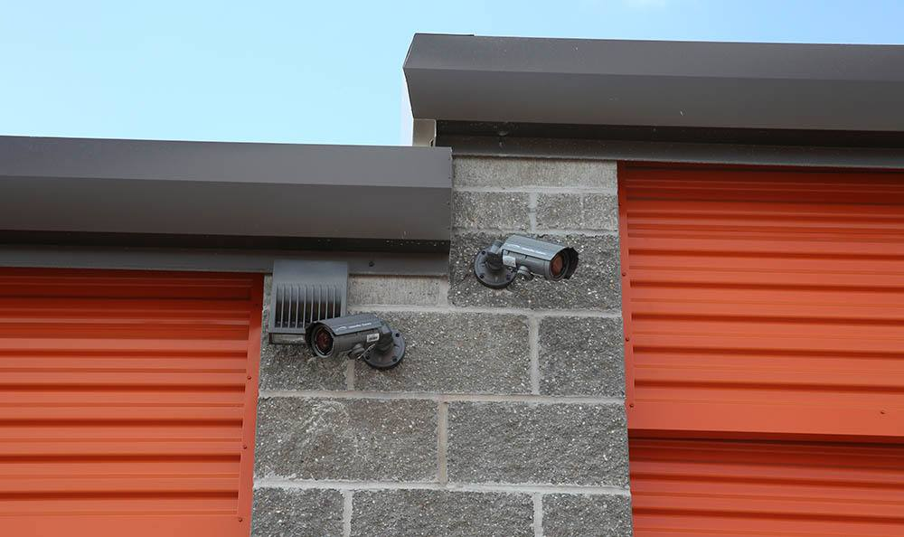 Exterior security cameras to keep your self storage safe in St. Louis, MO