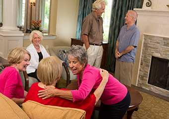 Senior living resident visiting with a relatives in Richmond