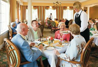 Senior living residents in Florida enjoy catered dining