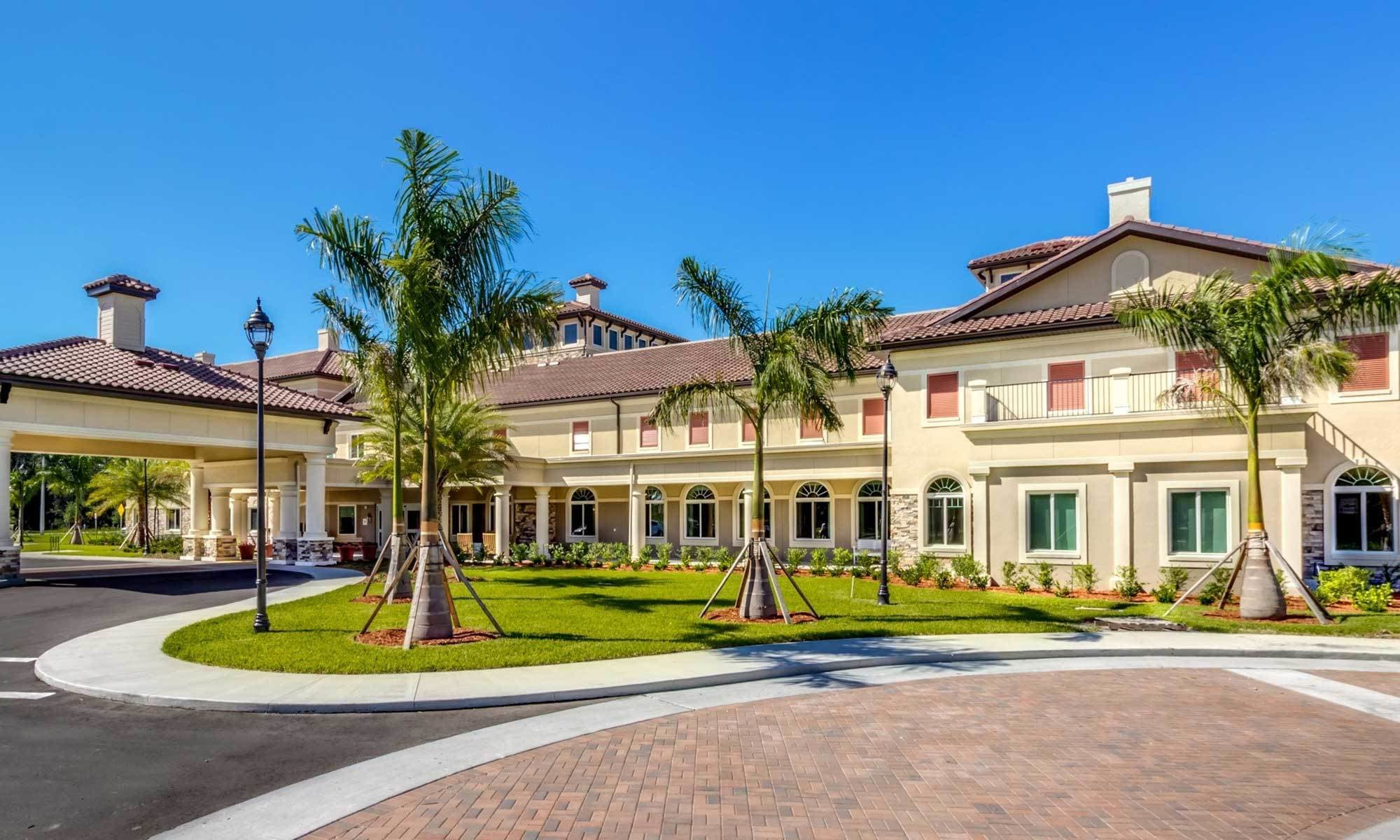 Naples senior living community with wonderful amenities