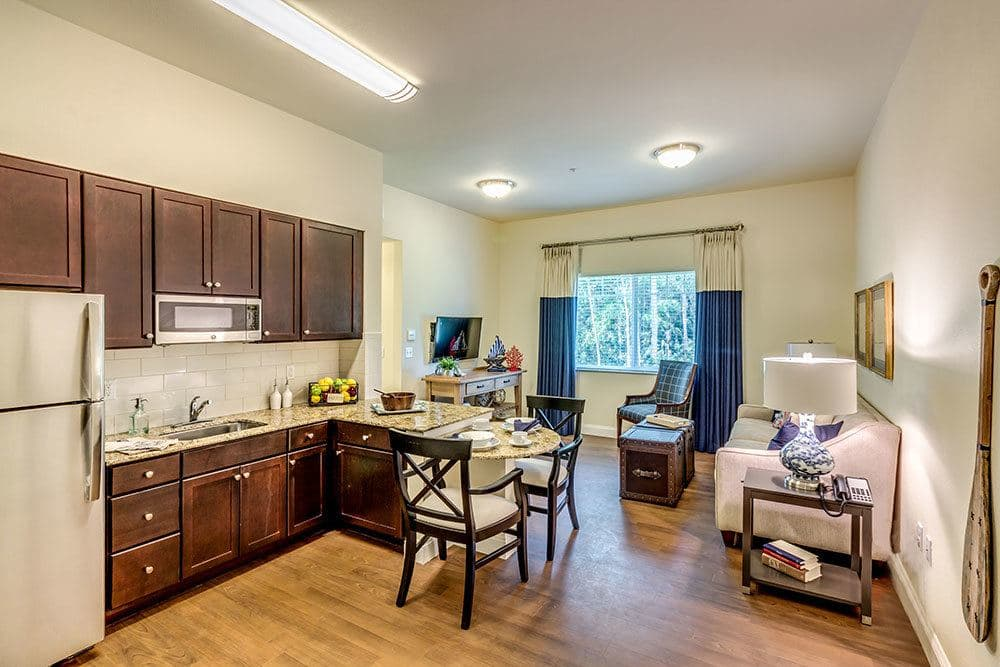 Spacious studio apartments for seniors in Naples