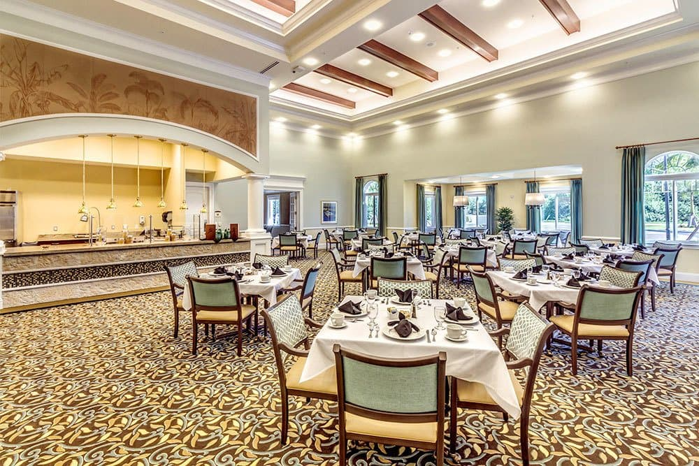 Gourmet dining for senior living residents in Naples