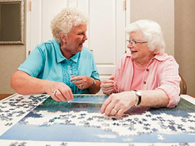 Assisted senior living with lots of social activities in Bradenton
