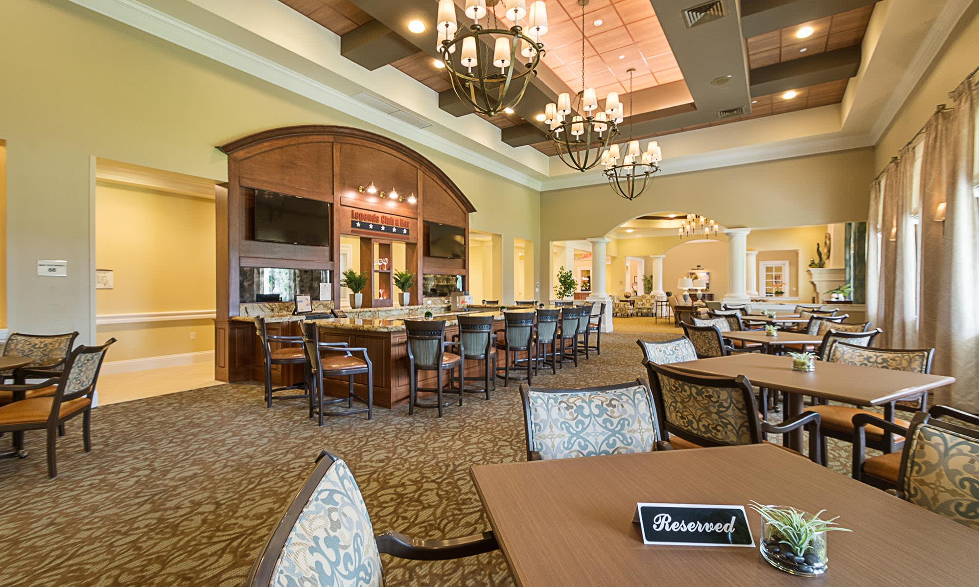 Palm Beach Gardens senior living community has a wonderful clubhouse. Senior Living in Palm Beach Gardens  FL   Discovery Village at