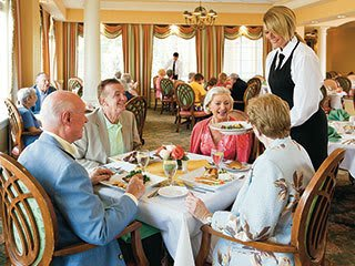 Information about the amenities available at Palm Beach Gardens senior living!
