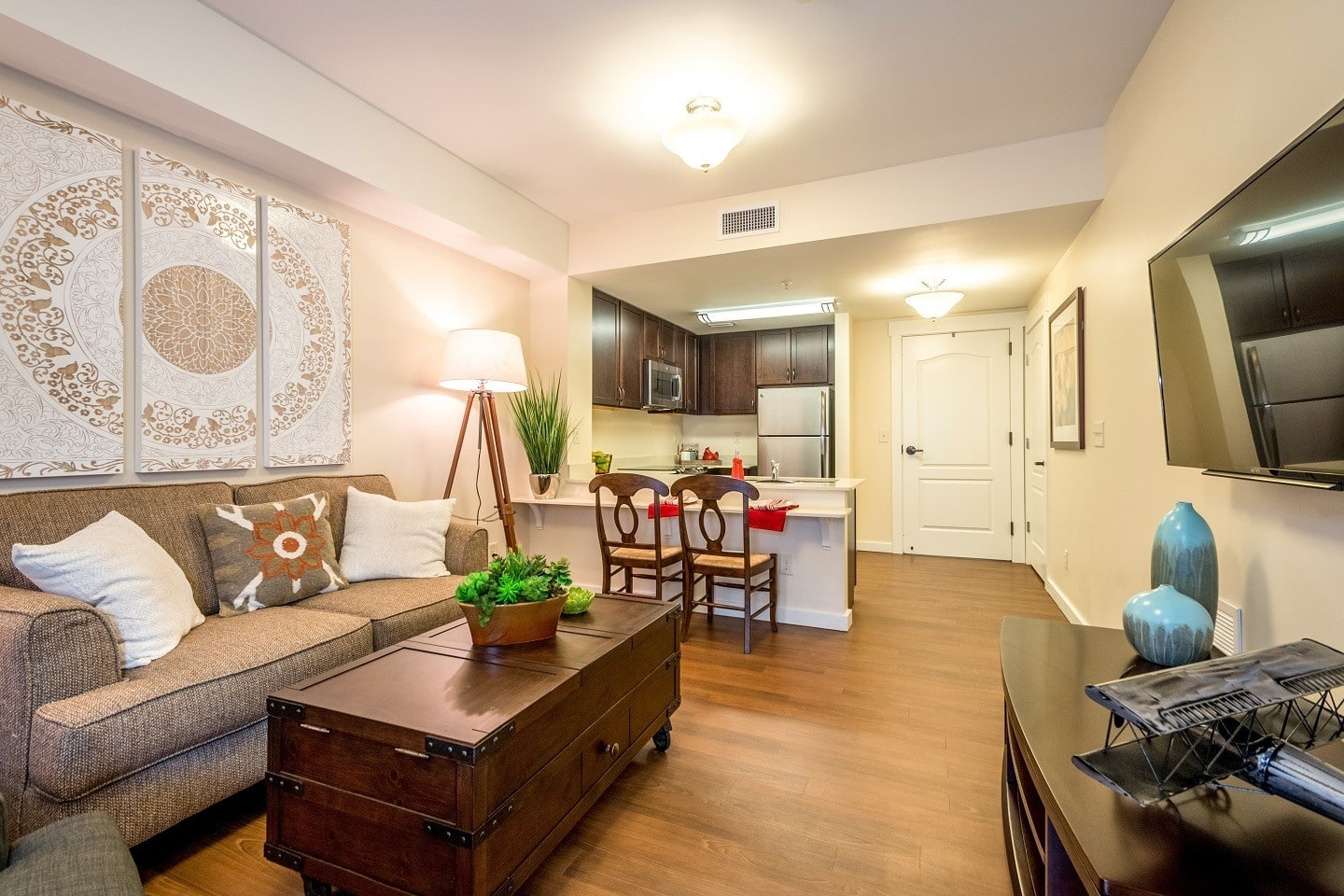 Senior living residents in Suwanee enjoy well-appointed apartment homes