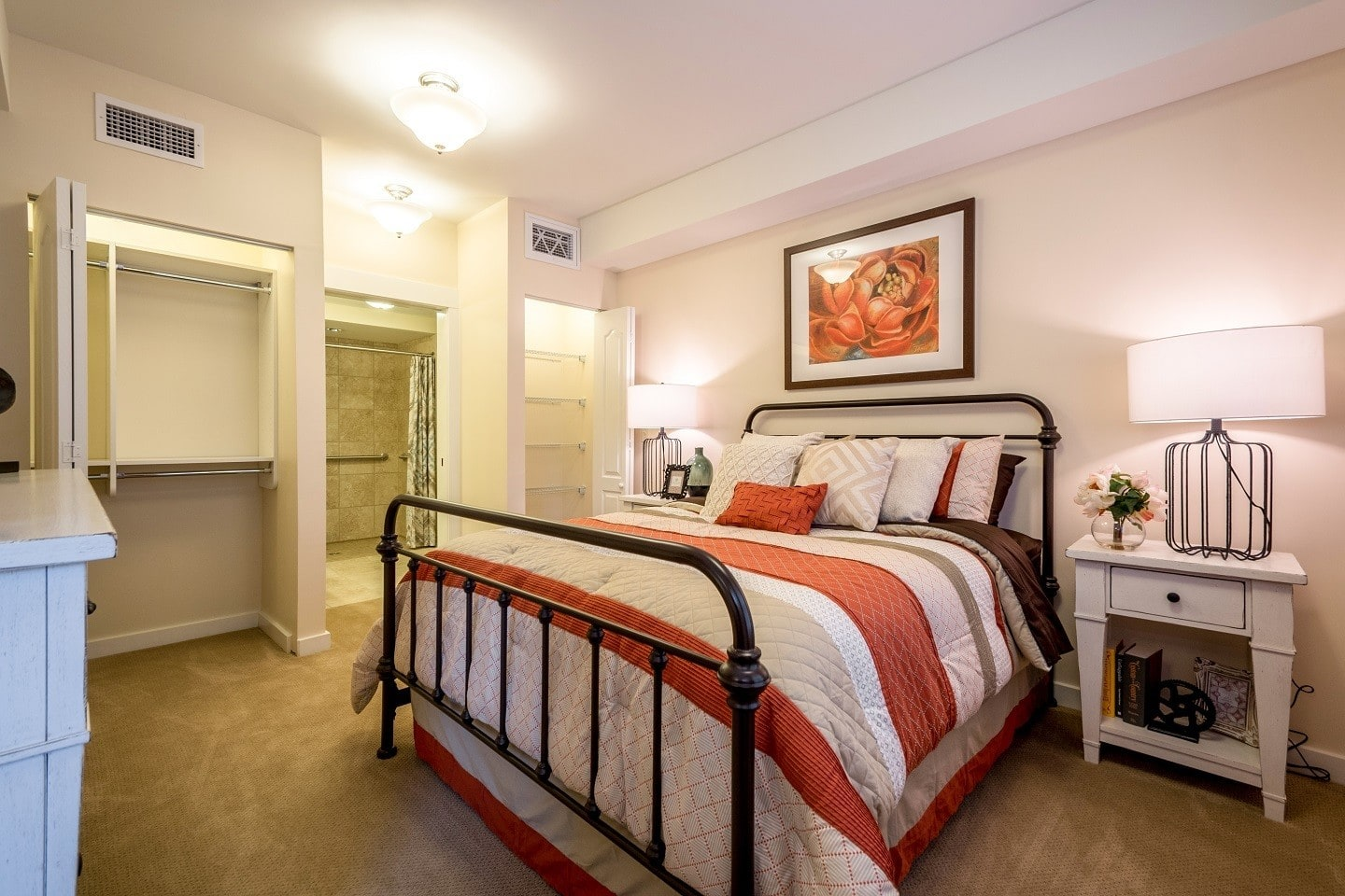 Senior living residents in Suwanee enjoy spacious bedrooms