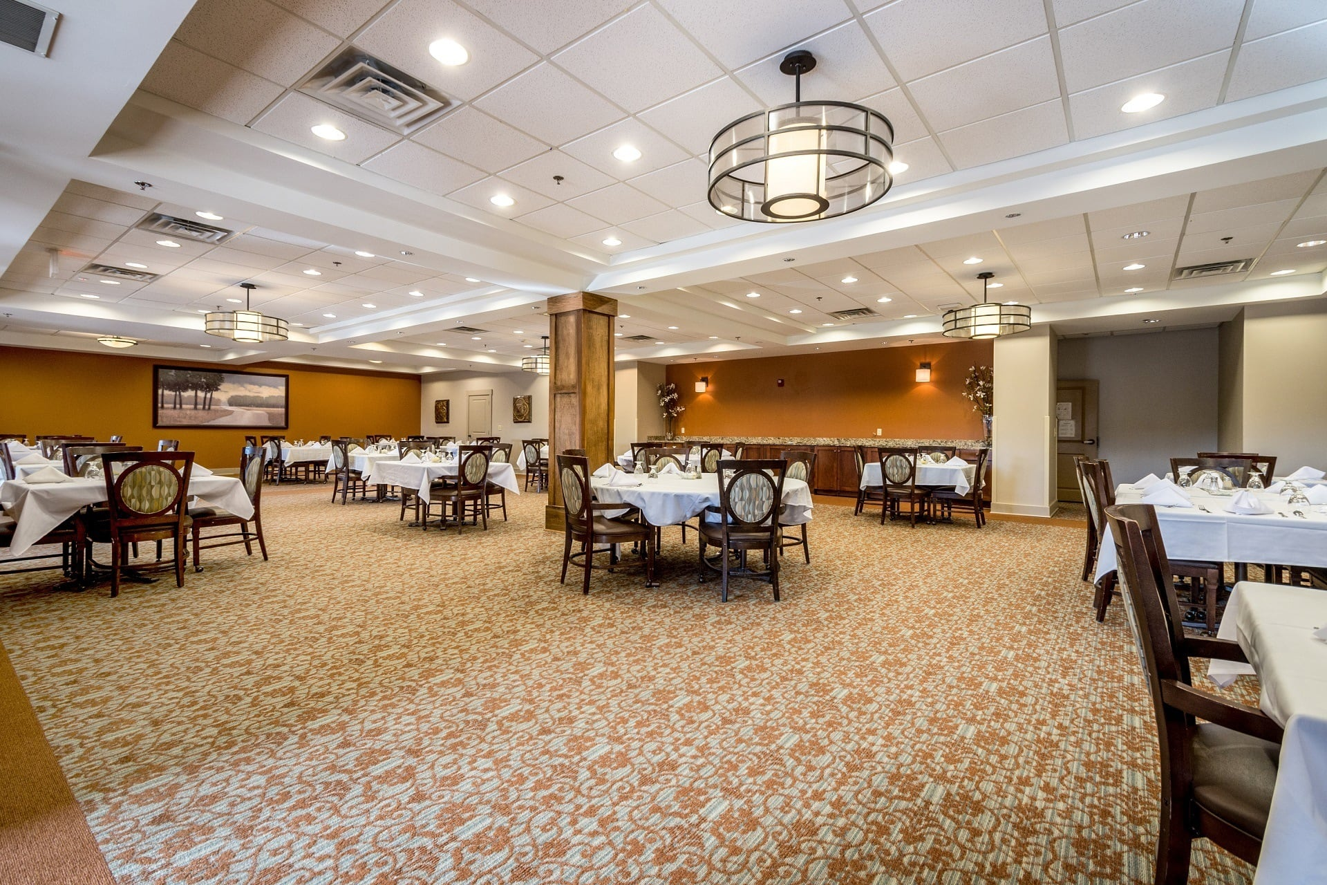 Our Suwanee senior living Sensations dining room