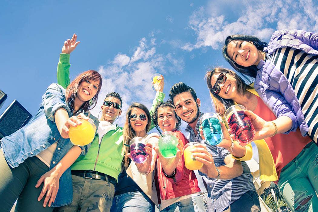 Friends enjoying drinks in Tampa near Bay Oaks