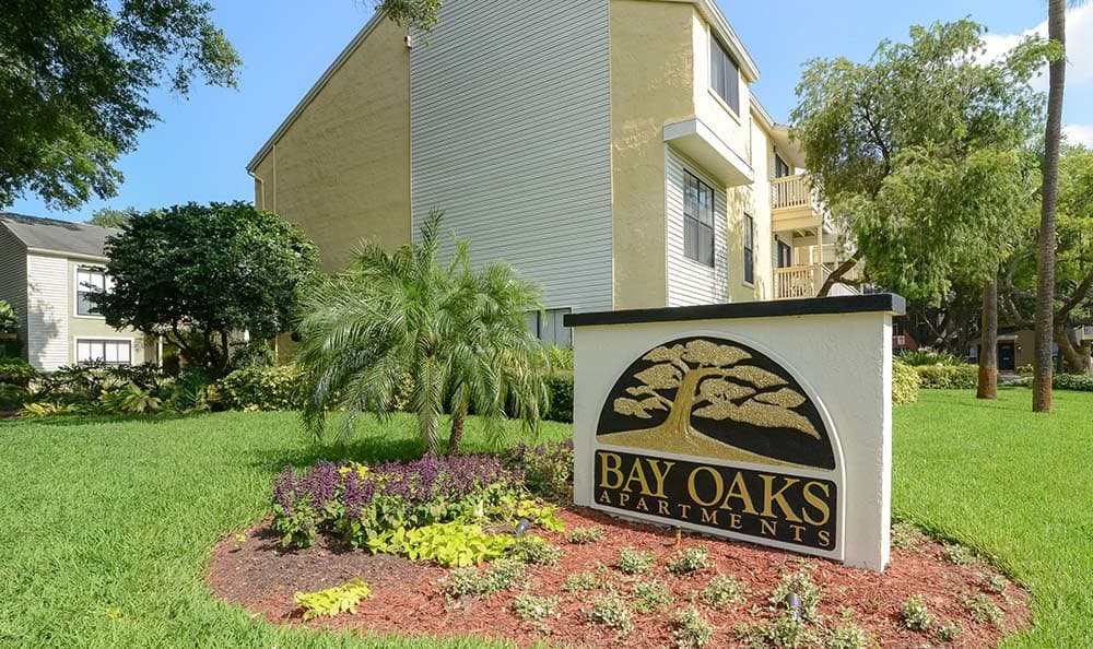 Bay Oaks Front Sign In Tampa