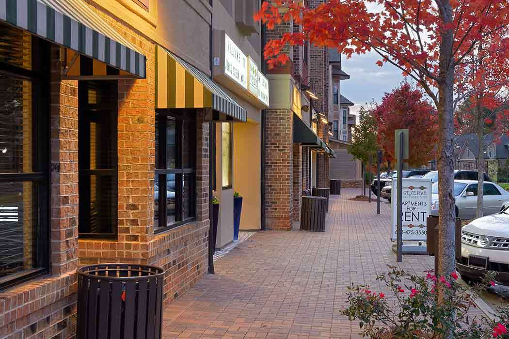 Local shops and food in Johns Creek near The Reserve at Johns Creek Walk