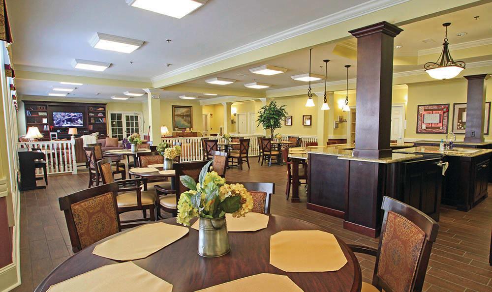 Lounge at Decatur, GA Senior living