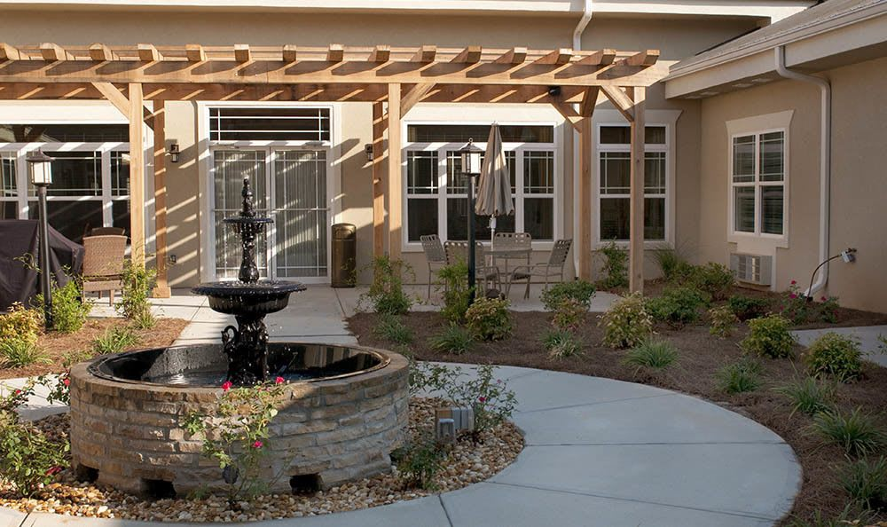 Courtyard at Benton House of Covington in Covington, GA