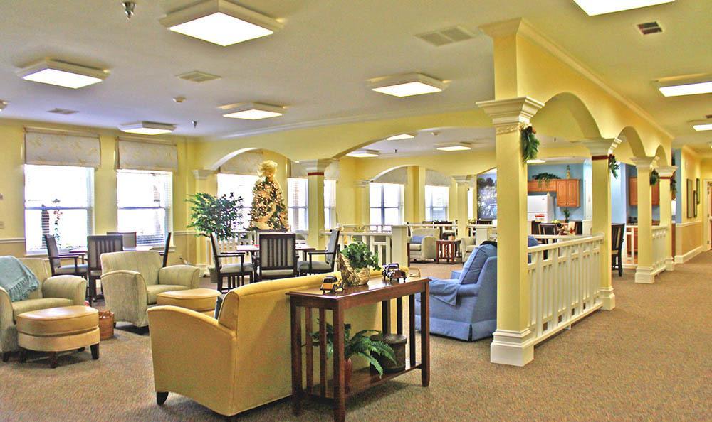 Group dining room at Benton House of Newnan in Newnan, GA