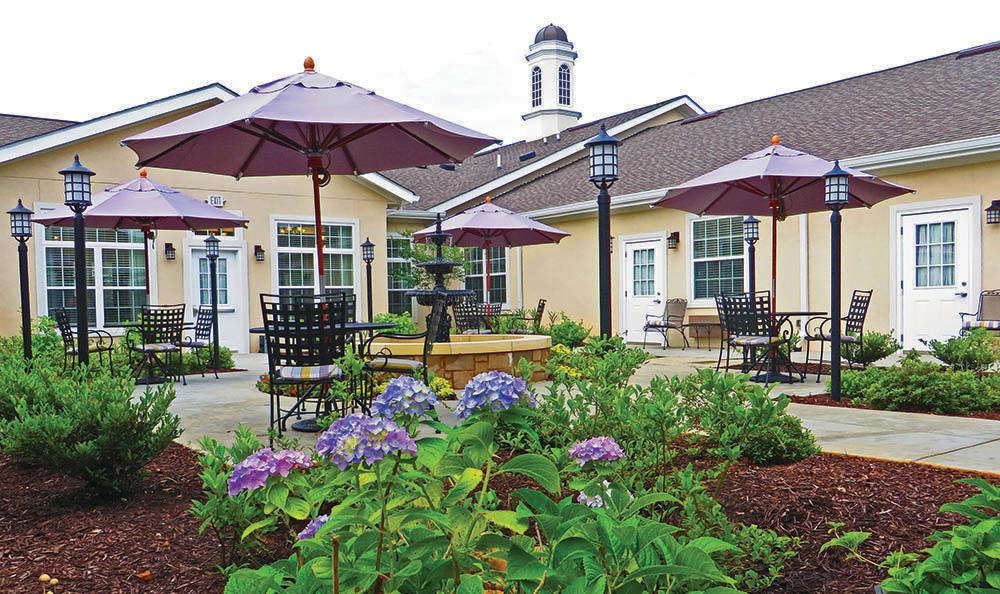 Courtyard at Benton House of Woodstock in Woodstock, GA