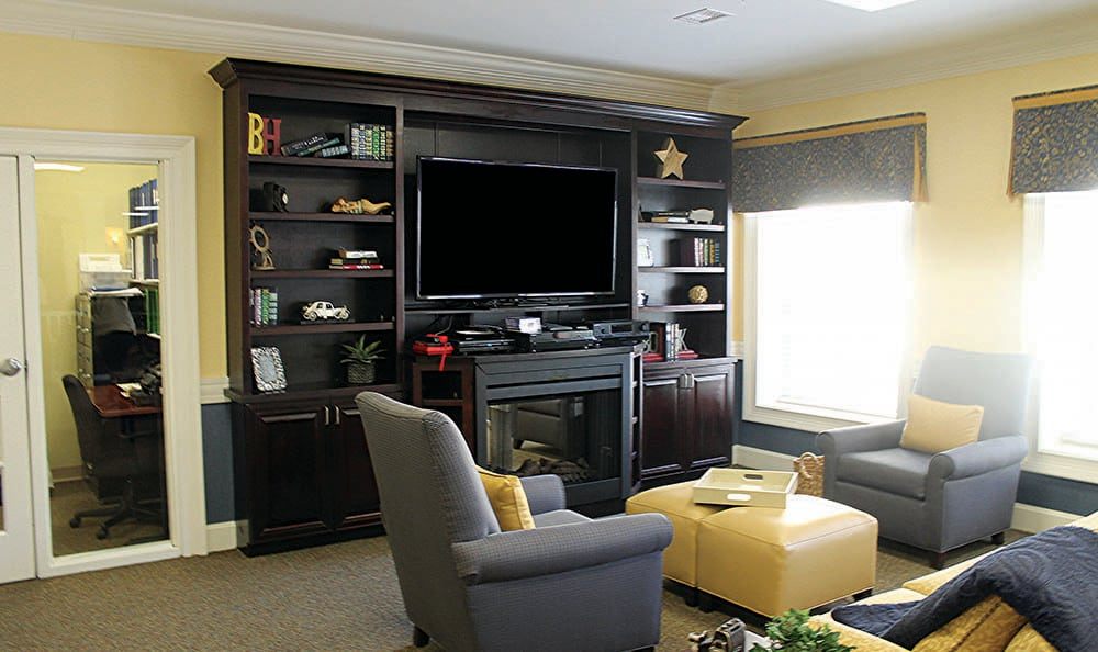 Entertainment room at Benton House of Bluffton in Bluffton, SC
